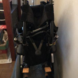 車椅子 畳んだ状態2