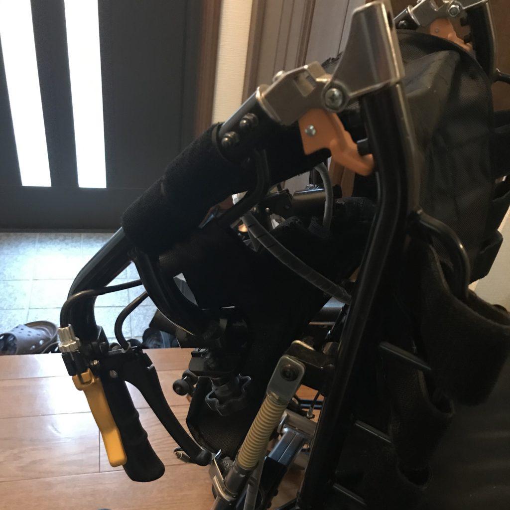 車椅子畳み方手順4