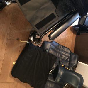 車椅子畳み方手順2